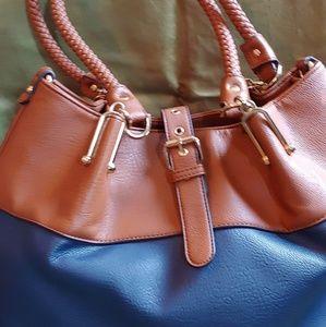 Wilson's Leather Shoulder Bag